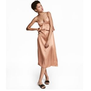 New H&M Rose gold v neck satin midi dress